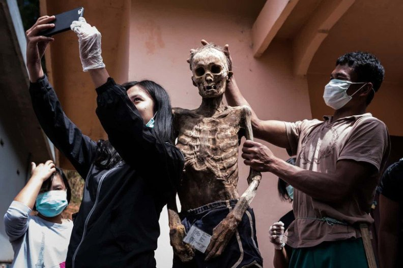 fotos-del-pueblo-que-desentierra-cadaveres-guardian-8-high
